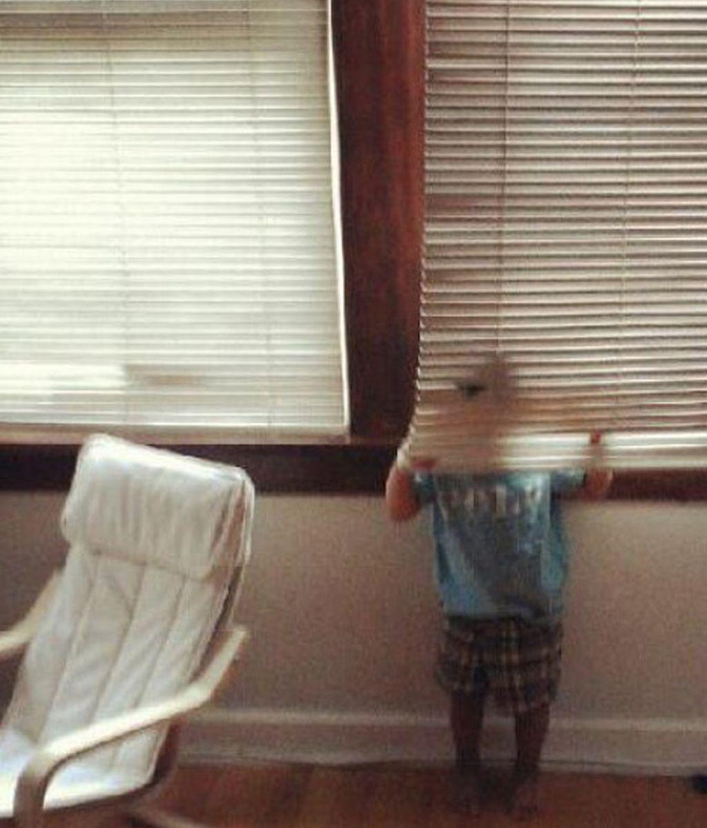 Niños que no saben esconderse