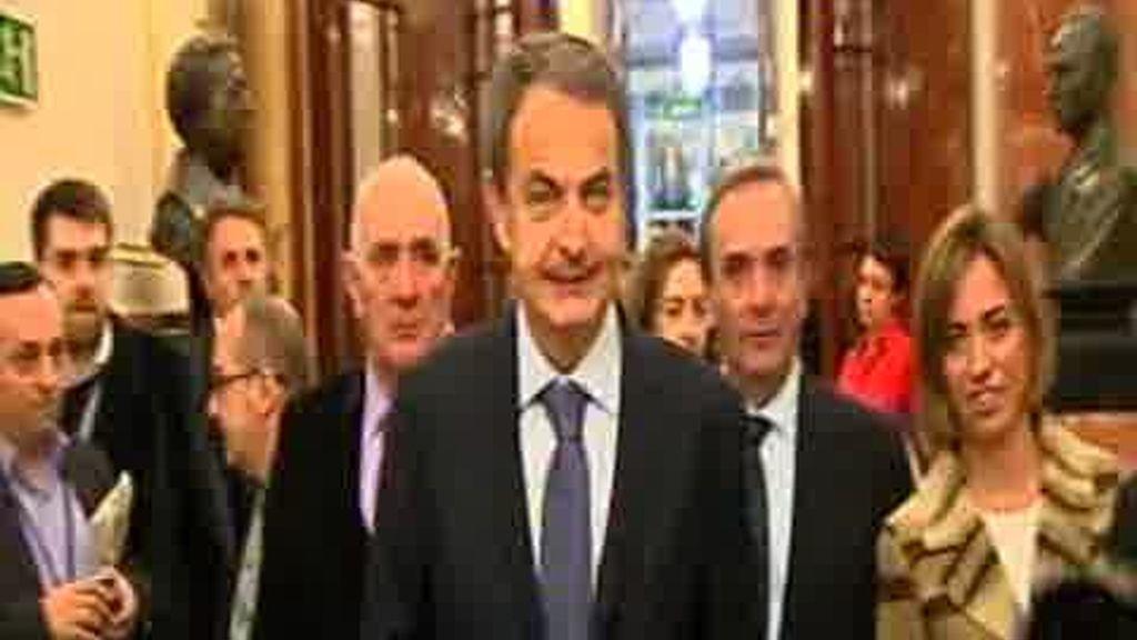 Zapatero informa a Rajoy sobre del acuerdo alcanzado con los sindicatos sobre la reforma de las pensiones