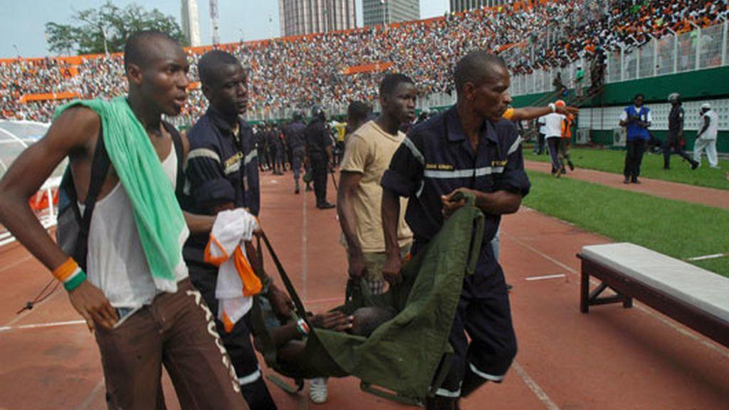 Avalanchas en un estadio de fútbol en Costa Marfil