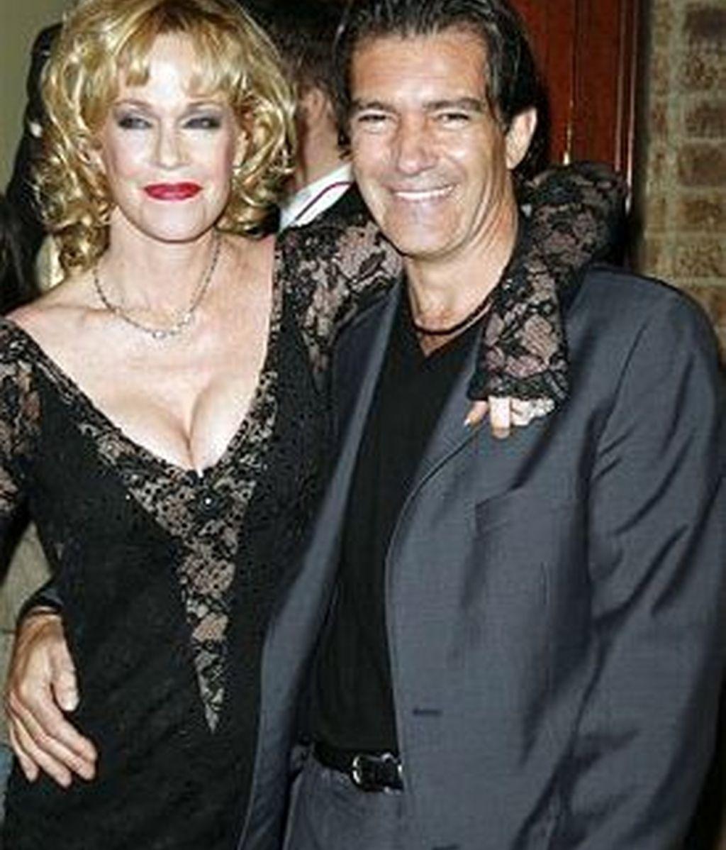 Antonio Banderas ha dejado bien claro que no abandonará a su esposa Melanie Griffith y que nada de lo que se ha publicado es cierto. Foto archivo