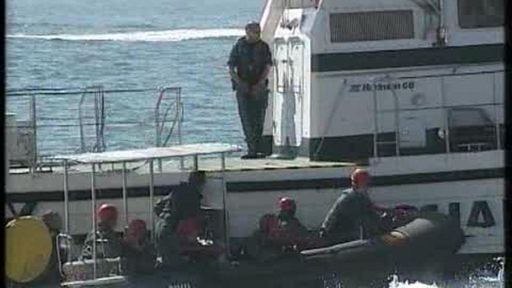 Espectacular simulacro de la Guardia Civil en Santander