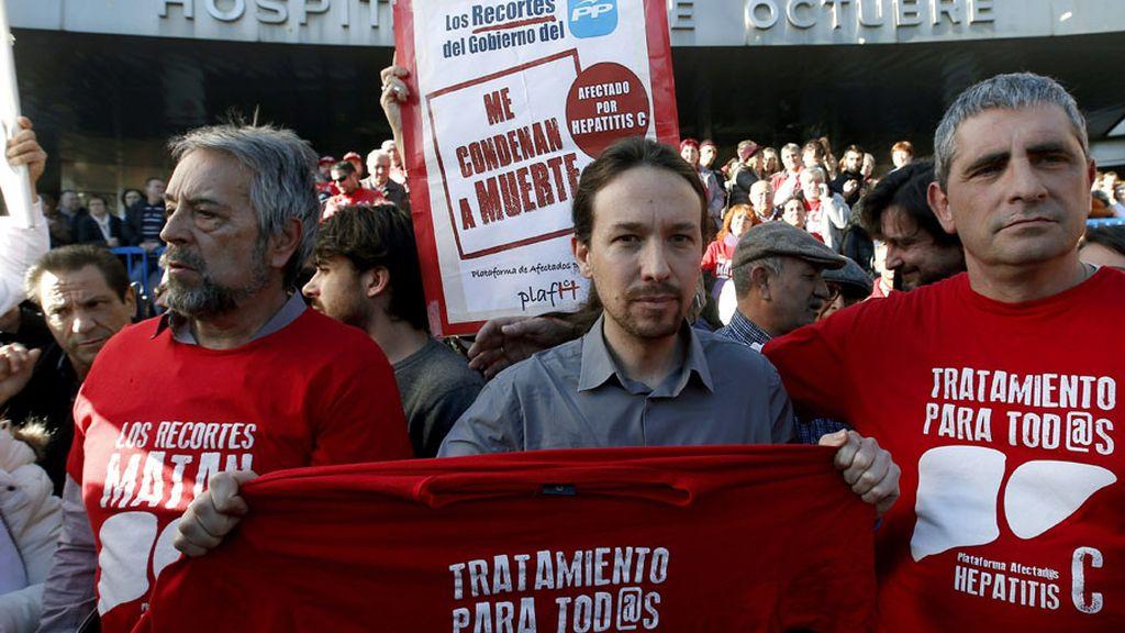 Pablo Iglesias visita a enfermos de Hepatitis C en el 12 de Octubre