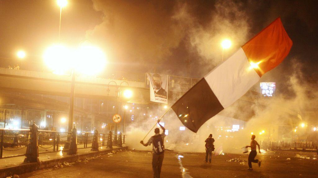 Vuelve la tensión a las calles de El Cairo