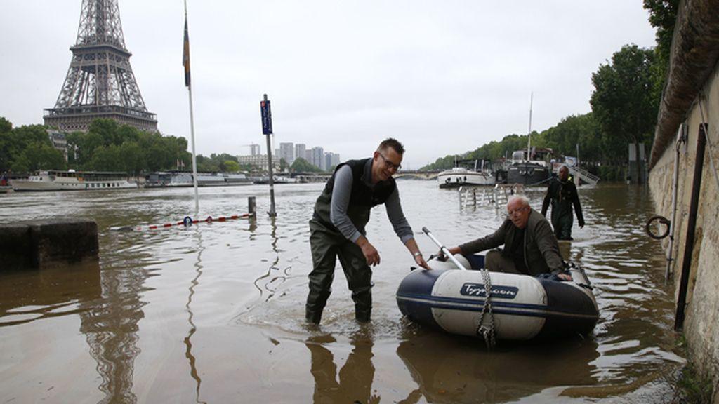 El Louvre cerrará sus puertas amenazado por el desbordamiento del Sena