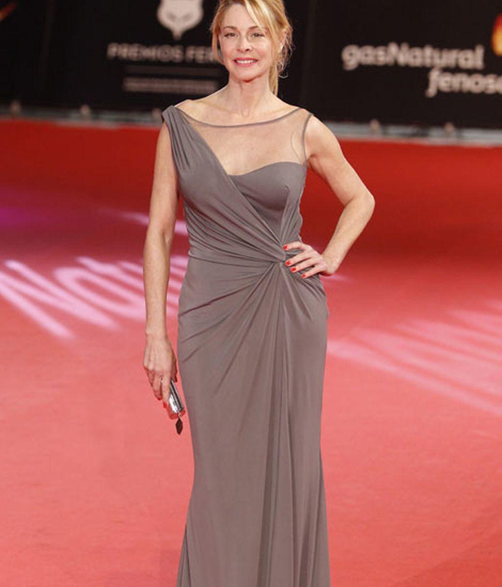 Belén Rueda con un vestido asimétrico
