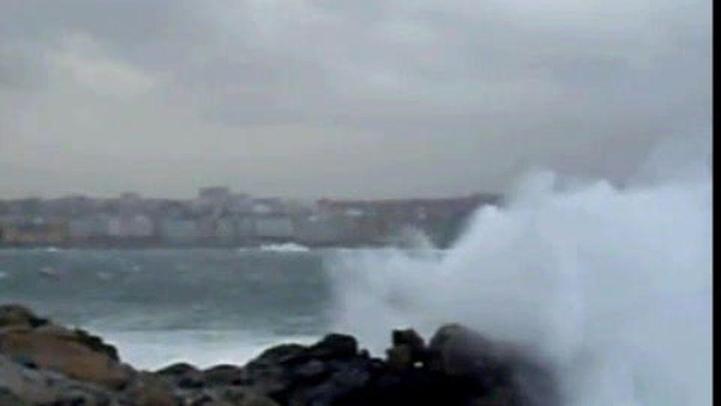 Destrozos por las olas y el viento