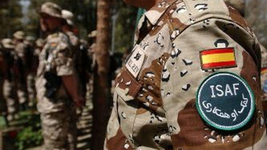 Cuatro militares y un intérprete civil, heridos en Afganistán.