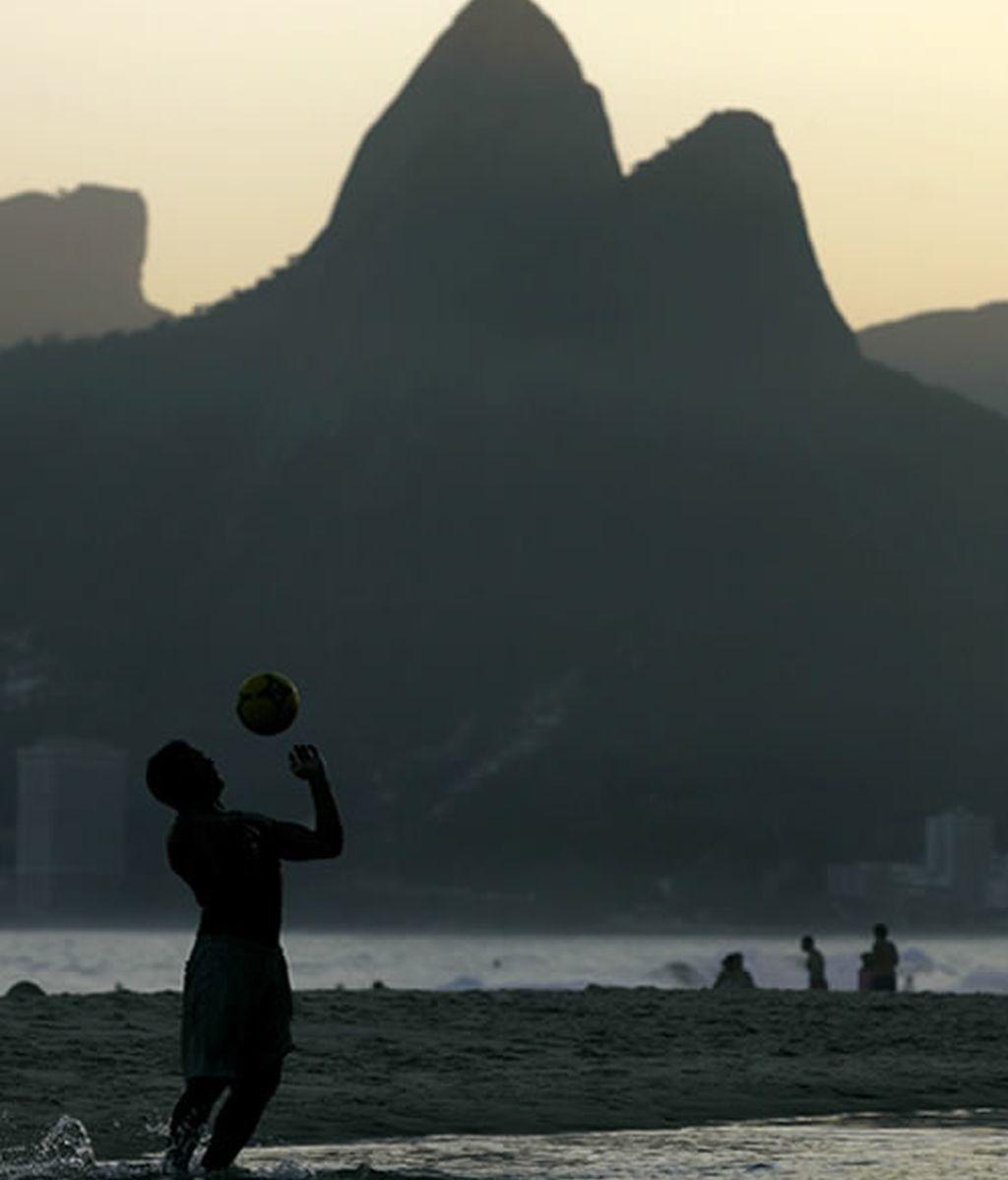 El atardecer de la playa de Ipanema, en Río de Janeiro