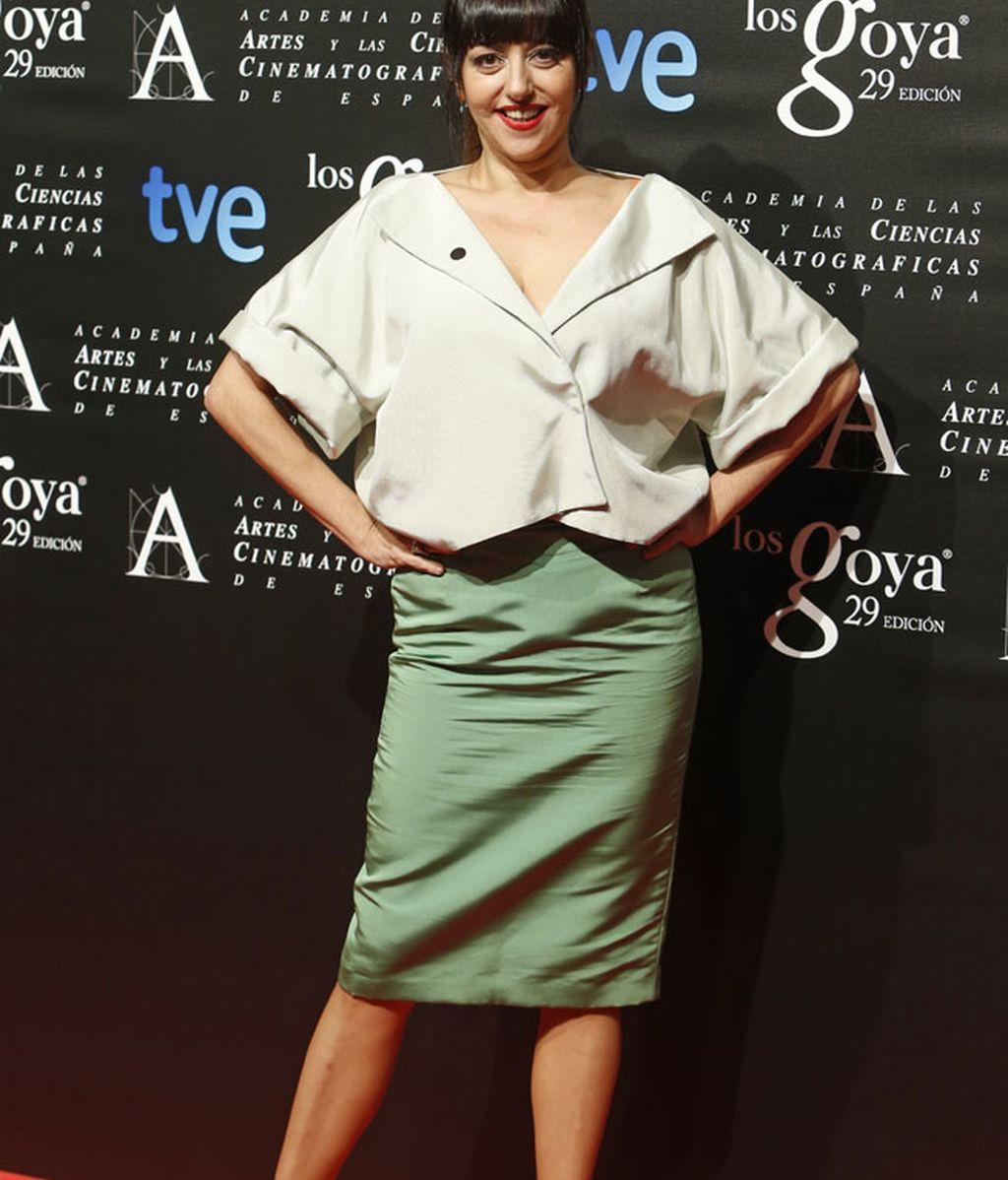 Yolanda Ramos, nominada a actriz revelación, con falda verde y maxi blusa