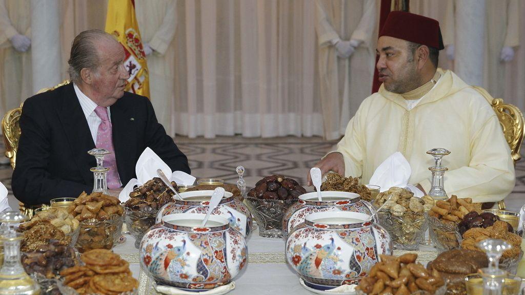 El Rey Juan Carlos de Borbón, agasajado por el monarca de Marruecos