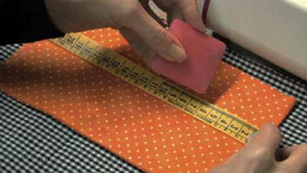 La primera lección de Tricotosas: mandil costurero