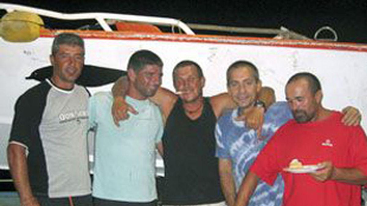Los tripulantes del Alakrana. Foto: EFE