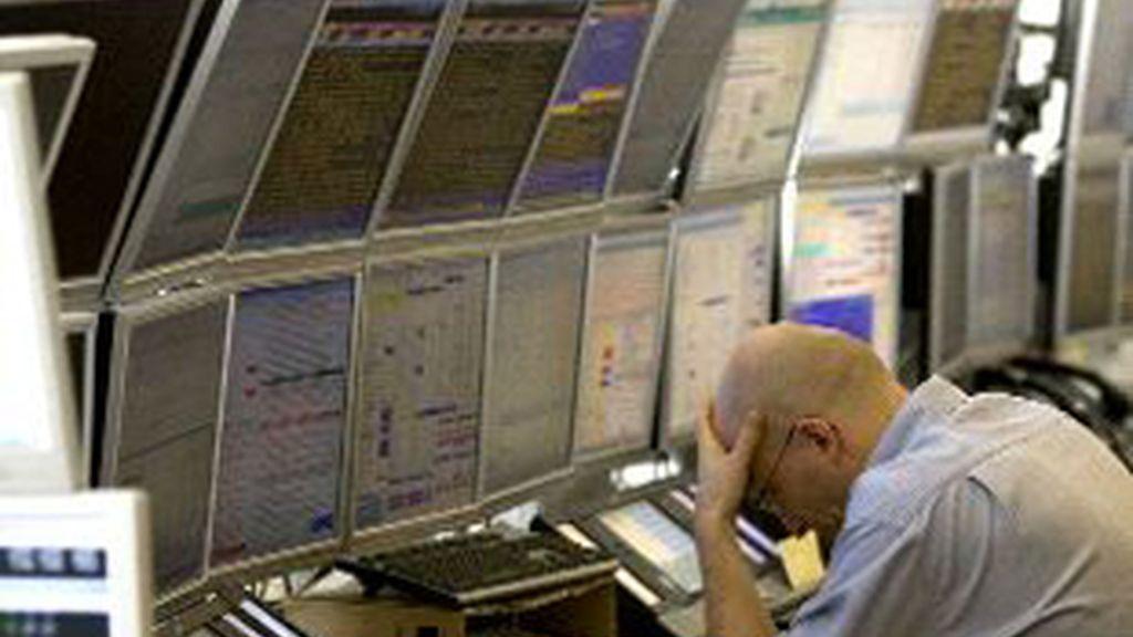 Un broker de Wall Street, el día de la caída de Lehman Brothers. Foto: Reuters
