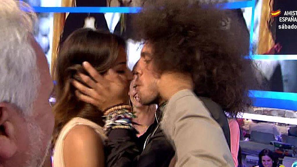 Los 'Pelochos' se ha recibido con besos y abrazos
