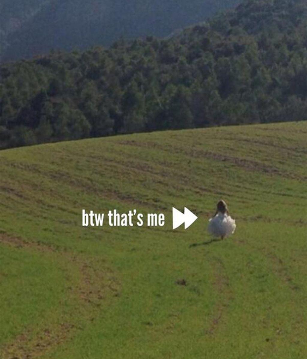 """Shakira no se resiste al """"gusanillo"""" de la boda y... se viste de novia"""