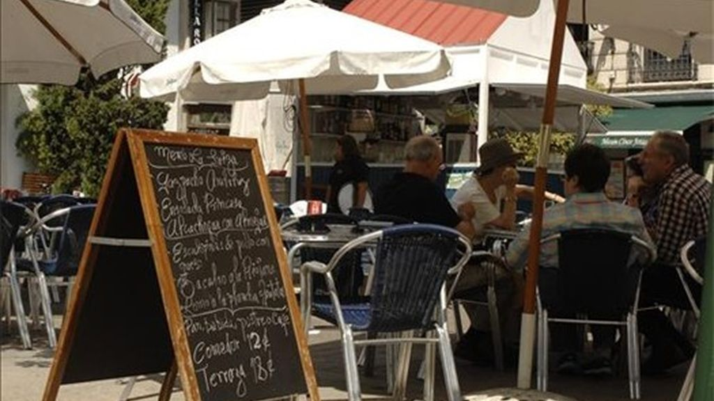 La hostelería sufrirá una caída del empleo por la subida del IVA.