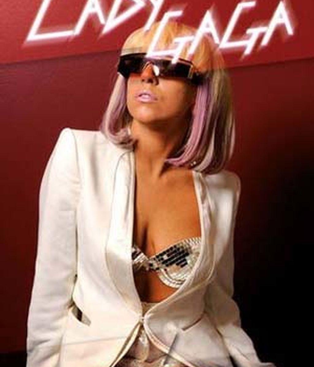 Portada de la biografía de Lady Gaga.