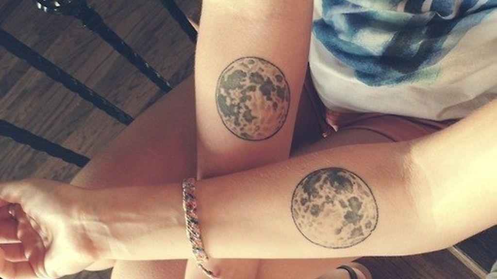 Esta es una selección de tatuajes que se han hecho gemelos y mellizos de diferentes partes del mundo y que han querido compartirlas con los demás a través de las redes sociales