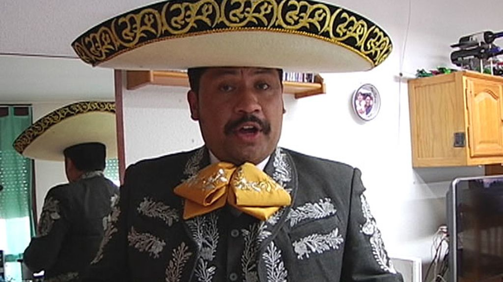 Un mariachi, artista callejero