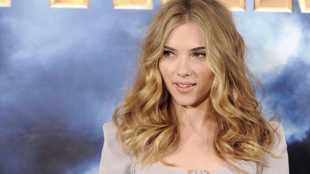 La actriz cumple 30 años, y aquí te dejamos sus 30 mejores looks