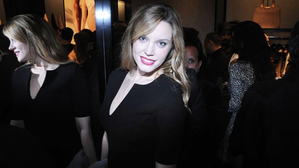La actriz Carolina Bang tampoco quiso perderse una de las mejores fiestas de la temporada