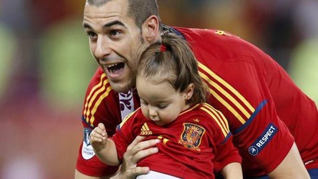 Álvaro Negredo y su hija Aitana