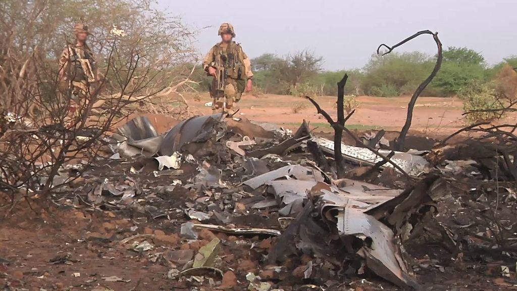 El equipo español enviado a Malí continúa las labores de investigación de restos del avión siniestrado