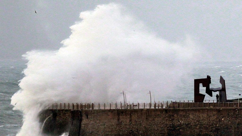 Temporal de viento en San Sebastián