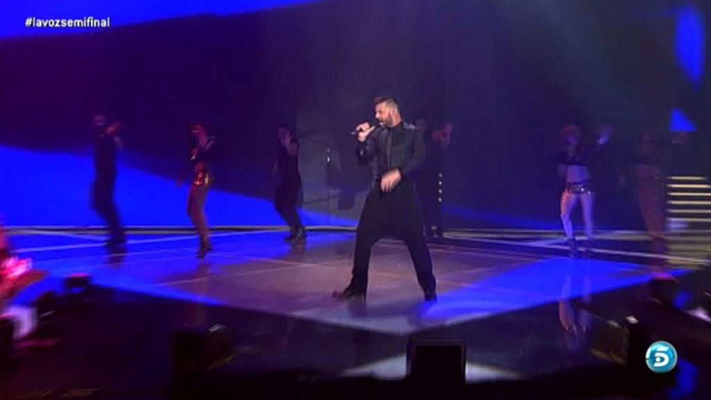 Ricky Martin y su pantalón baggy