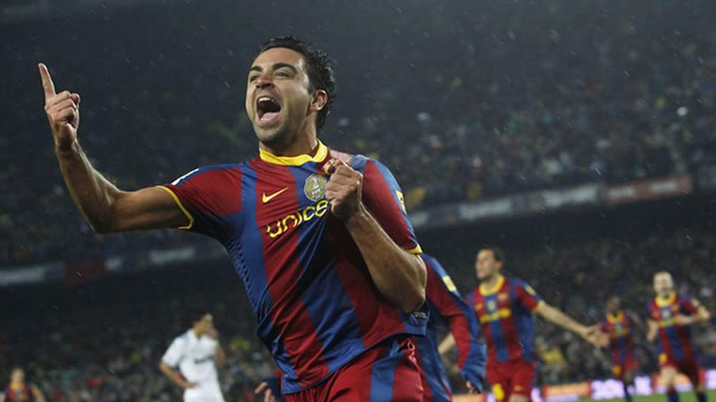 Xavi celebrando el primer gol del Barcelona