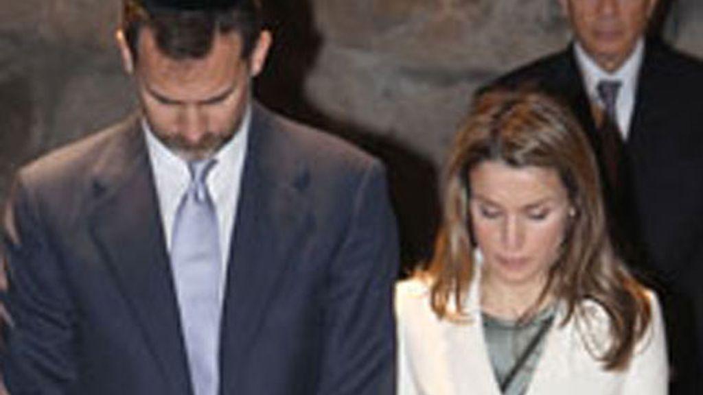 Los Príncipes de Asturias en el museo del Holocausto