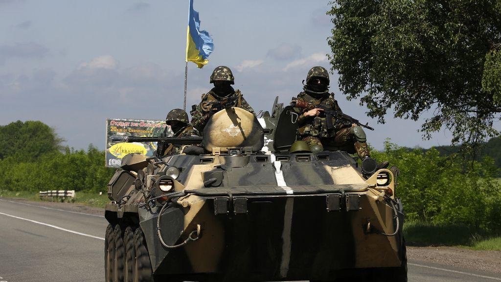 Fuerzas ucranianas patrullan los alrededores de Slaviansk