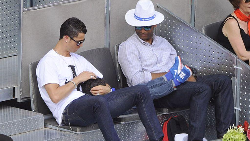 Ronaldo estuvo muy pendiente de su hijo