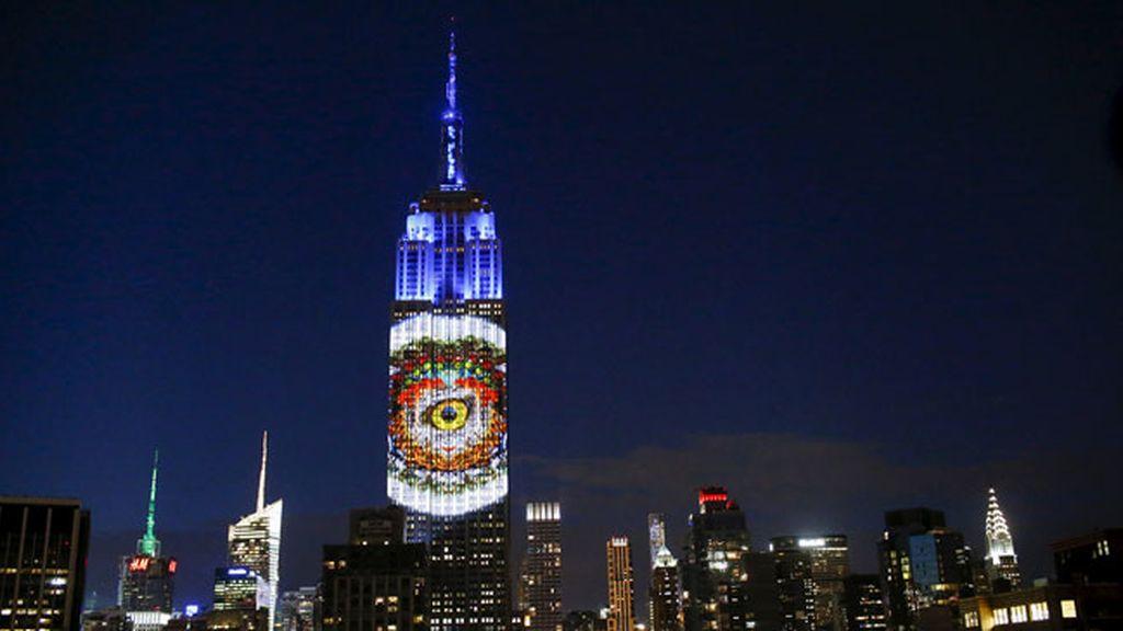 El león Cecil y otros animales, proyectados en el Empire State Building de Nueva York