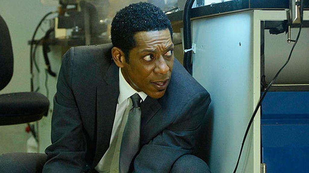 Capitán Frank Irving, llega a Sleppy Hollow para solucionar el caso