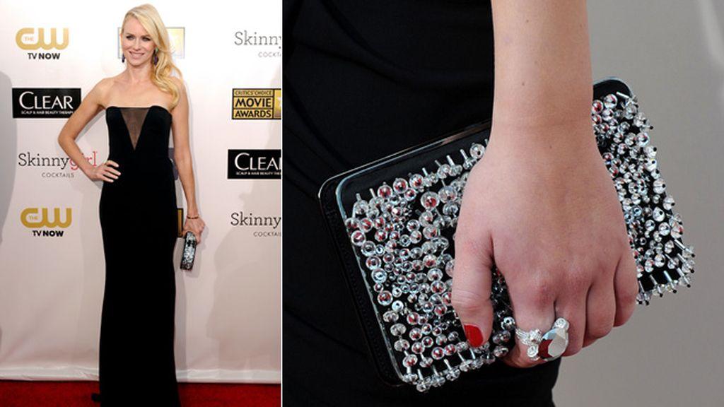 Naomi Watts, nominada a Mejor Actriz por 'Lo imposible', espléndida en la gala