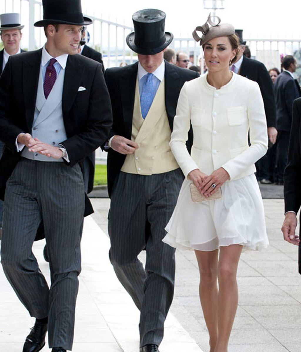 William, Harry y Kate