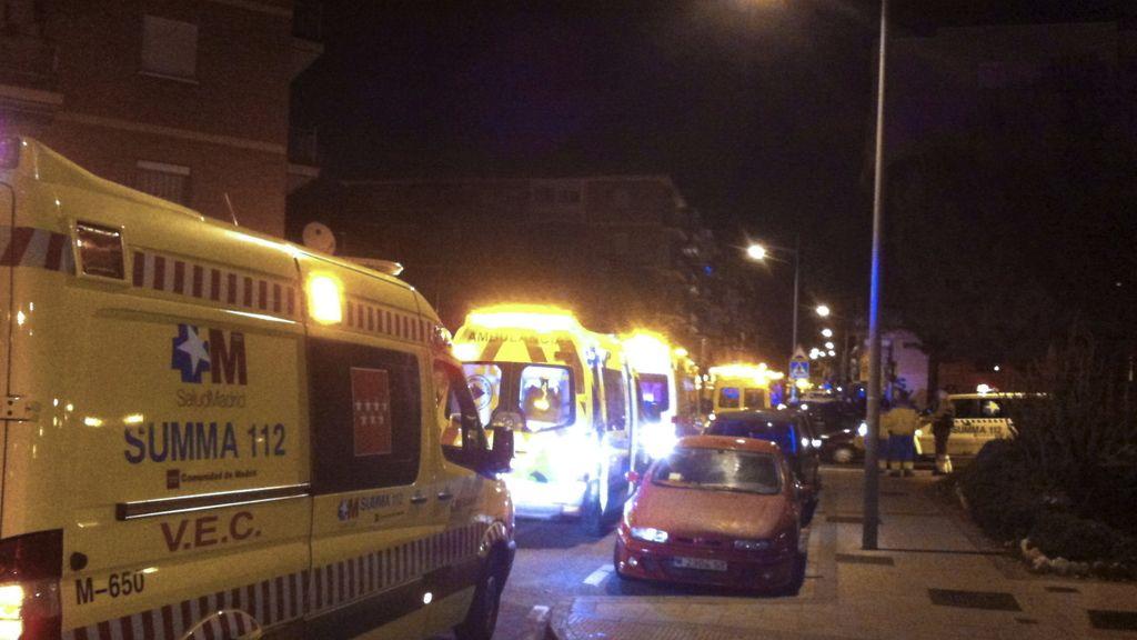 Incendio ocurrido en el número 18 de la calle Cisneros de Alcorcón en el que seis personas han sido hospitalizadas, dos de ellas en estado grave