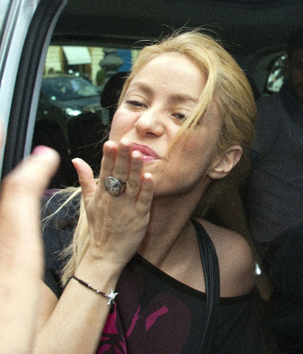 Piqué sigue a Shakira hasta París