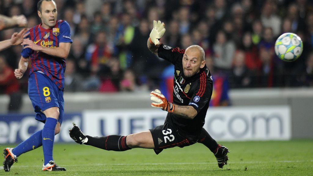 Iniesta loga el tercer tanto del Barça ante el Milan