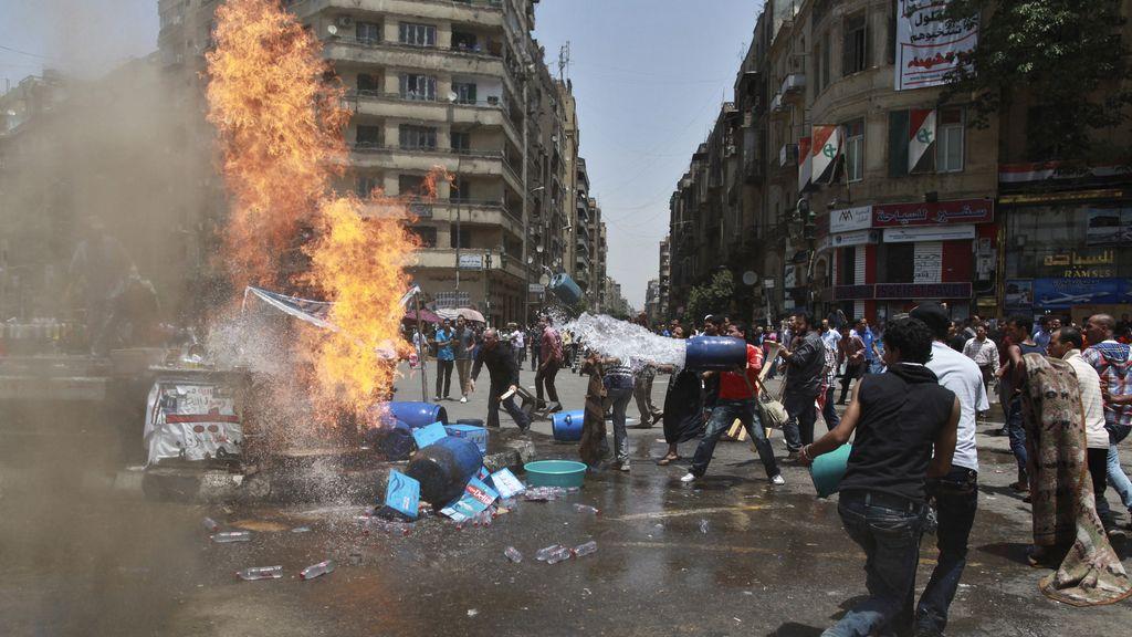 Miles de personas salen a la calle para protestar por la sentencia de Mubarak