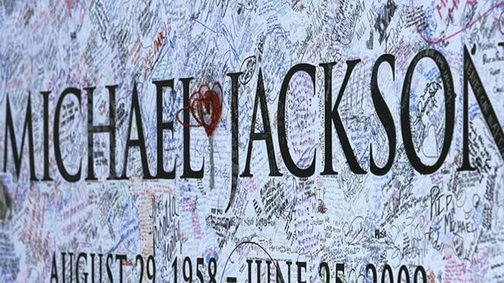 Homenaje a Michael Jackson antes de su funeral