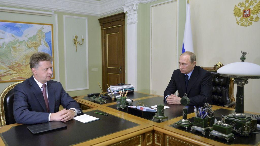 Vladimir Putin se reúne con su ministro de Transporte, Maxim Sokolov,