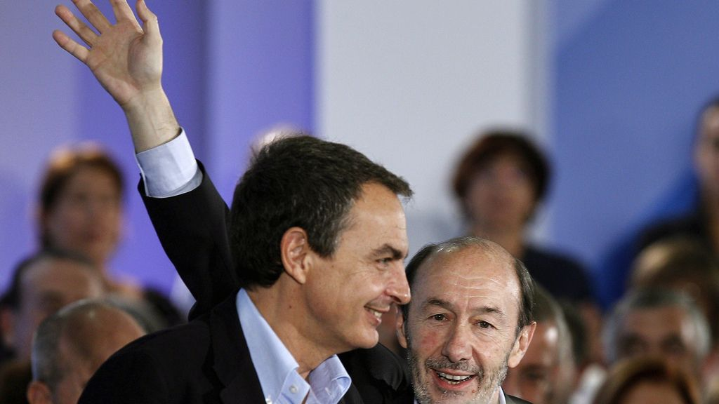 """Rubalcaba defiende el principio """"un político, un sueldo"""""""