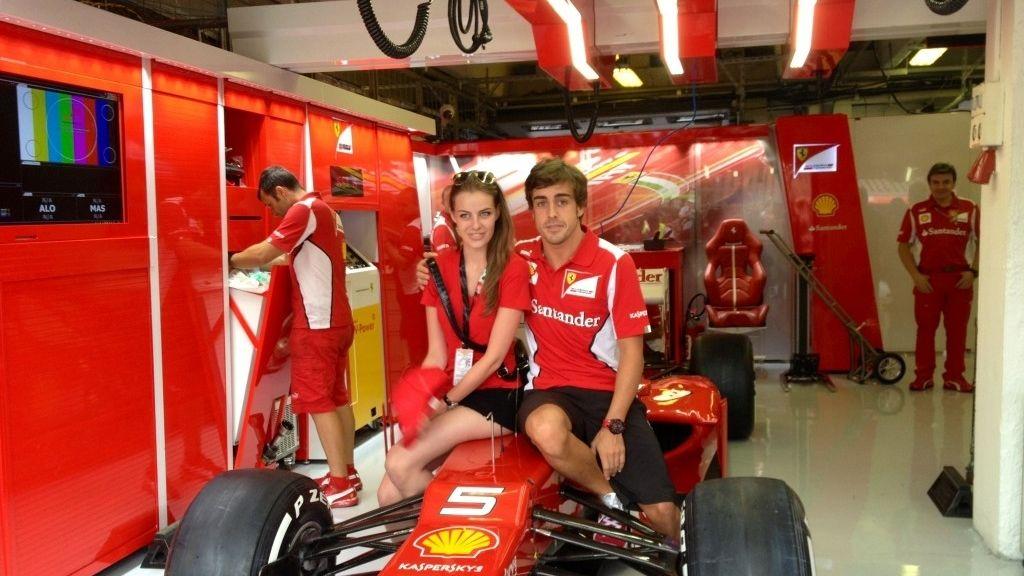 Fernando Alonso se deja ver con una modelo rusa de 22 años