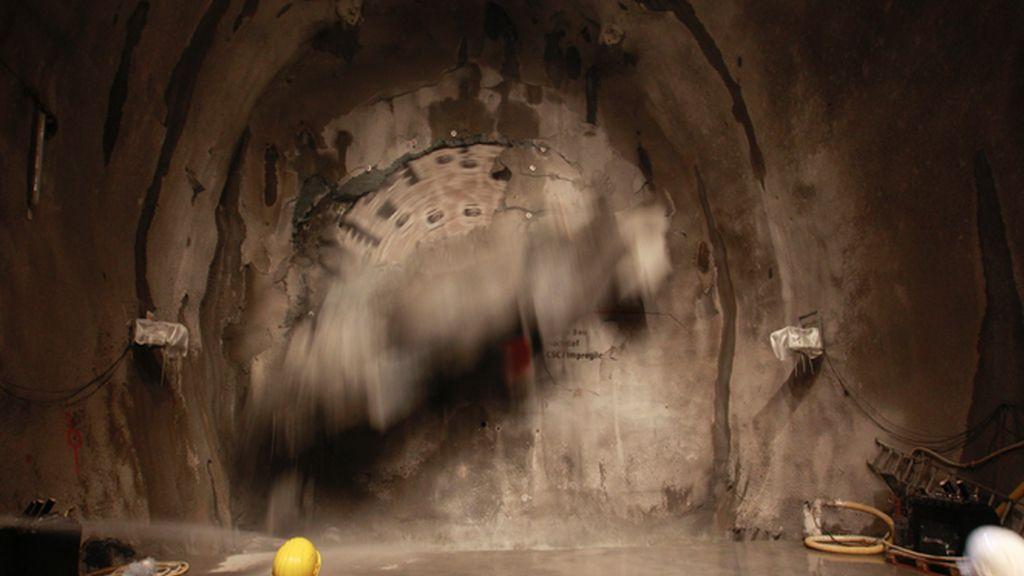 Termina en Suiza la perforación del túnel más largo del mundo