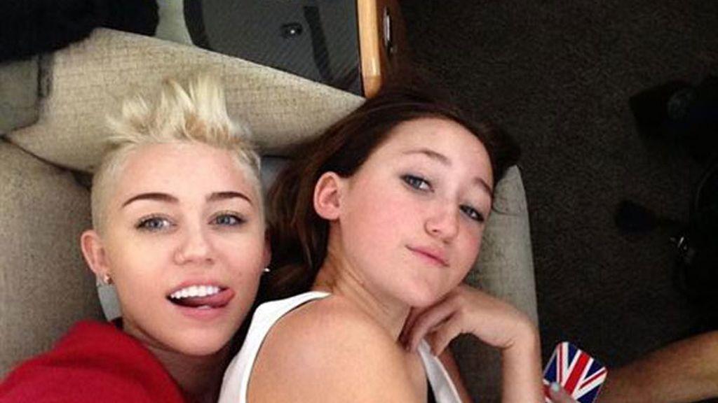 Miley Cyrus vuelve a rizar el rizo y se rapa