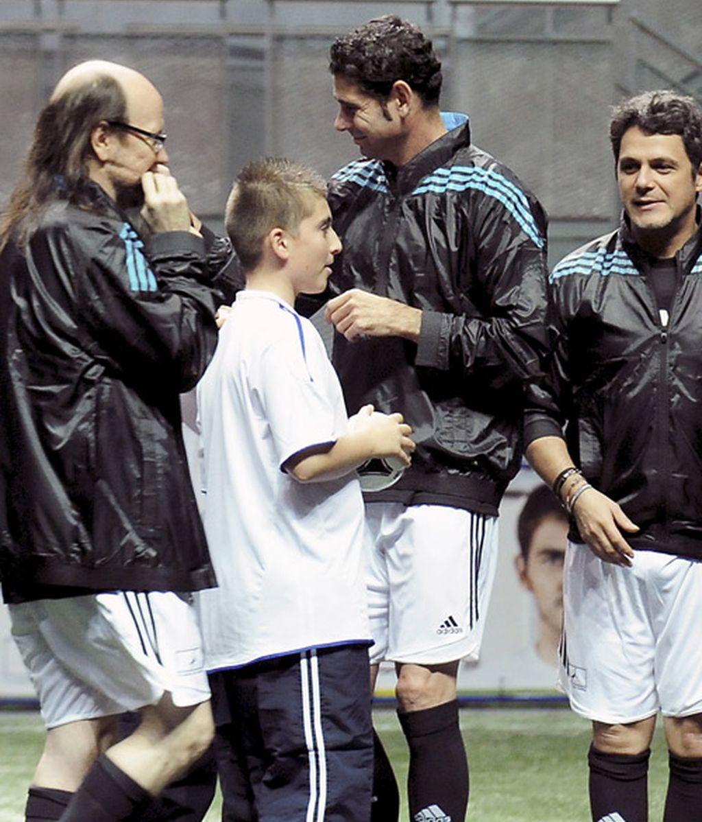 Abrazoterapia de famosos para curar a un Casillas enfermo