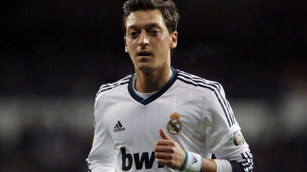 Mesut Ozil, Champions, Barça
