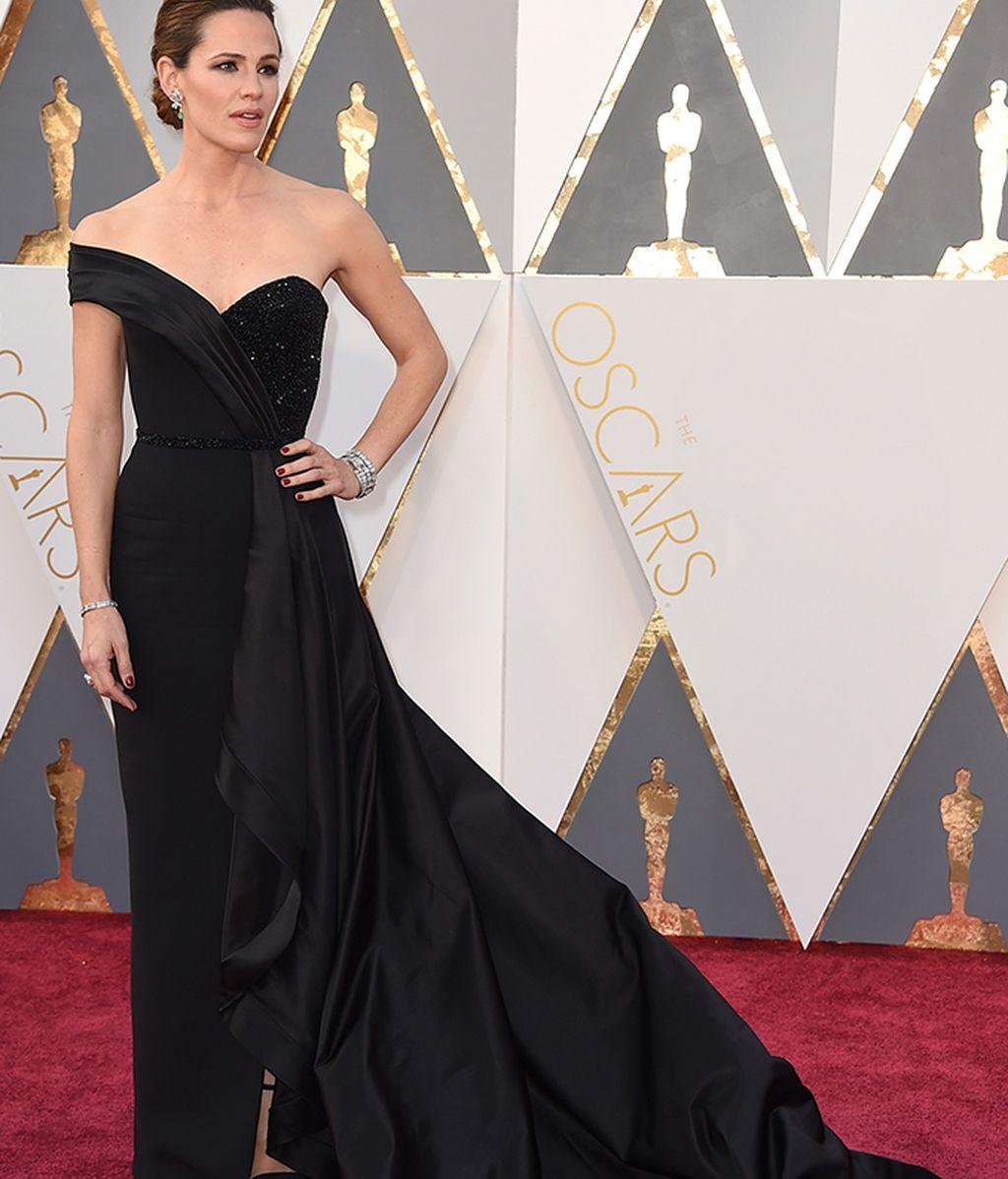 Jennifer Garner con vestido de Atelier Versace